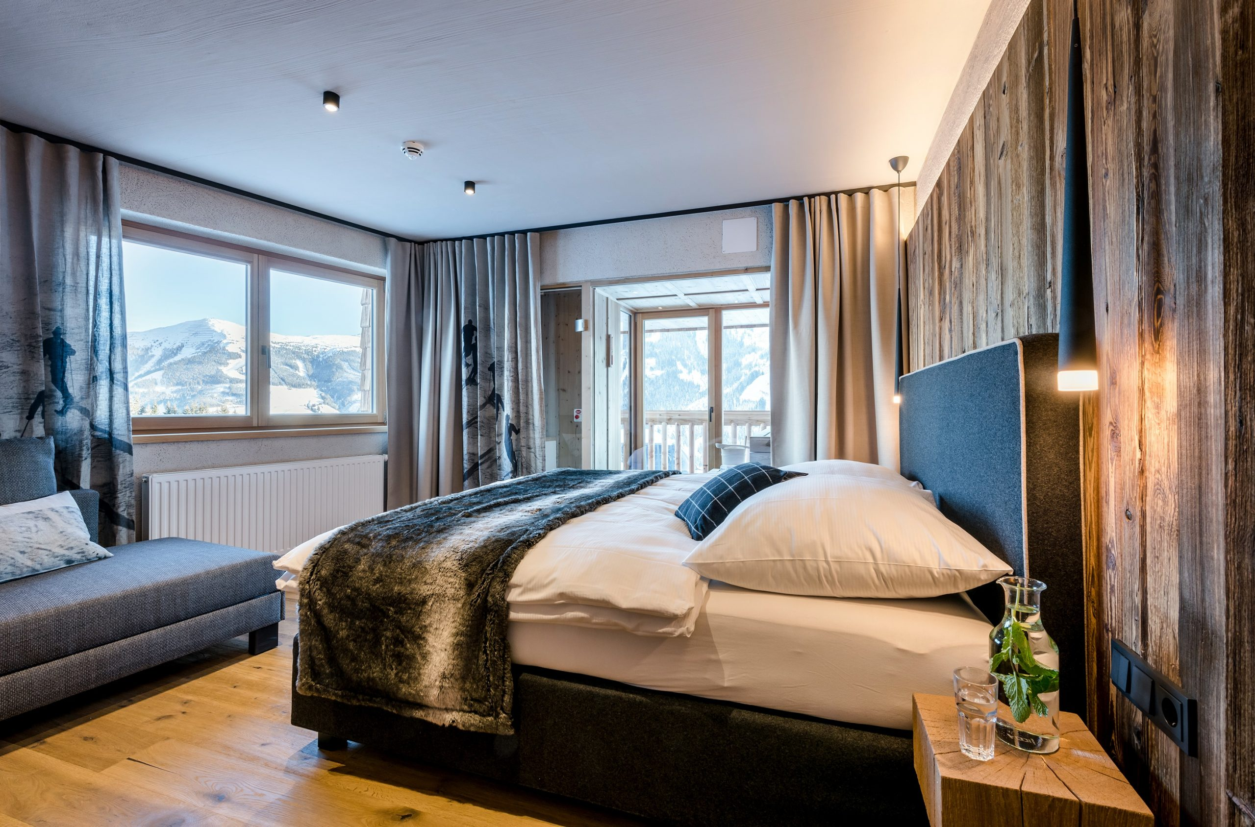 Schlafzimmer auf der Alm in Saalbach-Hinterglemm